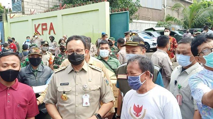 Gubernur DKI Jakarta Anies Baswedan di Pulo Gebang, Jakarta, Selasa (9/2/2021).