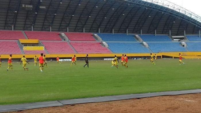 Cara Budiarjo Tholib Menemukan Starting XI Sriwijaya FC