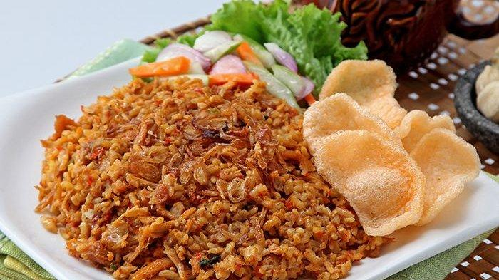 Cara Masak Nasi Goreng Sederhana Tapi Enak Banget Ala Pedagang Gerobak! Bumbu Ini Kuncinya