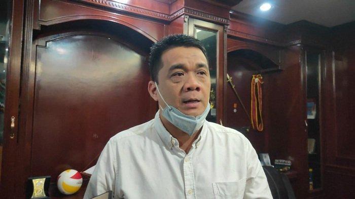 Cawaguh DKI Jakarta Ahmad Riza Patria di Gedung DPRD, Jakarta Pusat, Rabu (25/3/2020).