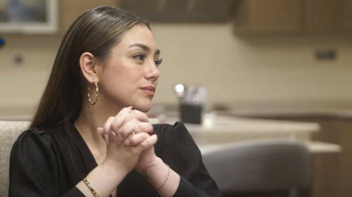 Mengaku Kuat Hadapi Cobaan dalam Rumah Tangganya, Celine Evangelista: Nggak Pernah Menyesali