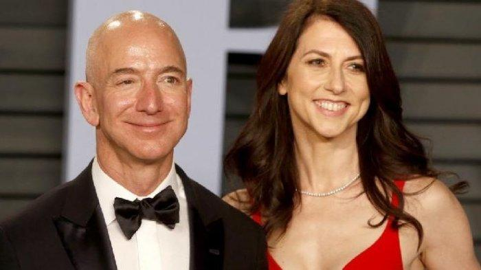 CEO Amazon, Jeff Bezos, dan MacKenzie.
