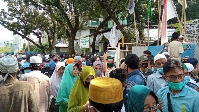 Ceramah UAS di Masjid Amal Silaturahim, Senin (4/1/21) dipadati jamaah hingga