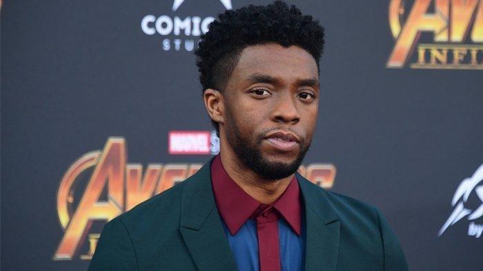Dalam foto file ini diambil pada 23 April 2018 Aktor Chadwick Boseman tiba untuk Premiere Dunia film 'Avengers: Infinity War' di Hollywood. Chadwick Boseman, bintang film superhero terobosan