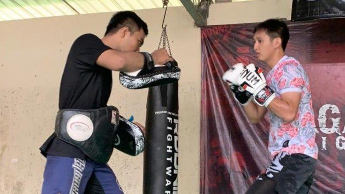 Penyerang Persita Tangerang Ini Latihan Power dengan Berlatih Muay Thai