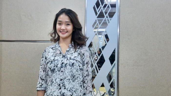 Chandrika Chika yang kini jadi seleb TikTok saat ditemui di kawasan Blok M Jakarta Selatan, Rabu (23/12/2020). (TRIBUNNEWS.COM/BAYU INDRA PERMANA)
