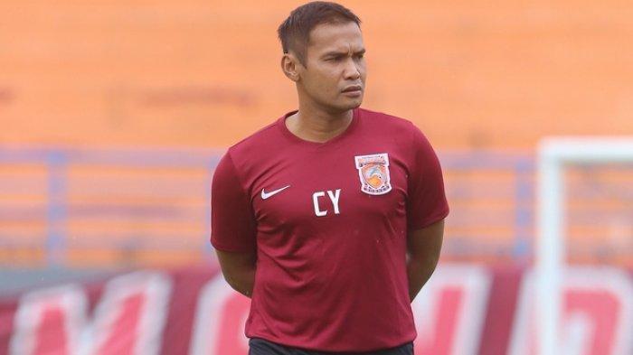 Arema FC Terapkan Latihan Secara Online Bikin Terkesan Charis Yulianto