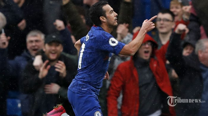 Pemain tengah Chelsea asal Spanyol, Pedro melakukan selebrasi usai mencetak gol kedua bagi timnya dalam laga lanjutan Liga Inggris 2019/2020 antara Chelsea kontra Everton di Stadion Stamford Bridge, London, Inggris, Minggu (8/3/2020) malam WIB. Hasil akhir, tuan rumah The Blues menang empat gol tanpa balas. AFP/Adrian Dennis