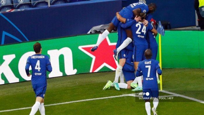Para pemain Chelsea merayakan gol pembuka mereka dalam pertandingan final Liga Champions UEFA antara Manchester City dan Chelsea di stadion Dragao di Porto pada 29 Mei 2021.