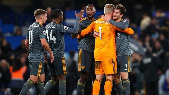 Pemain Leicester City merayakan kemenangan mereka atas Chelsea pada laga pekan ke-18 Liga Inggris di Stadion Stamford Bridge, London, Sabtu (22/12/2018) malam WIB.
