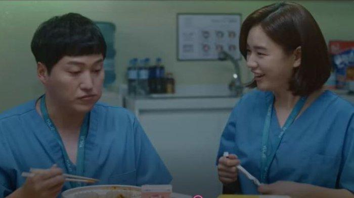 Choo Min-ha tampak semakin dekat dengan Yang Seok-hyeong.