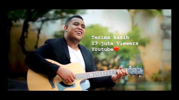 Download Lagu Cinta Luar Biasa Andmesh Kamaleng Lengkap Lirik Chord Dan Unduh Mp4 Di Sini Tribunnews Com Mobile