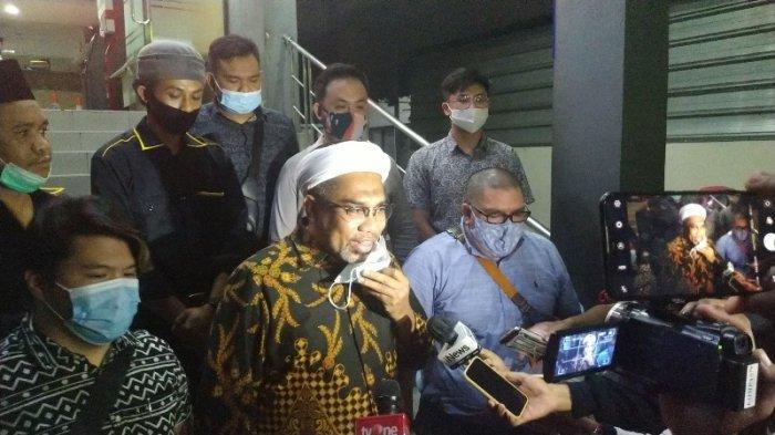 Ali Mochtar Ngabalin melaporkan dua orang  atas dugaan pencemaran nama baik ke Polda Metro Jaya, Jakarta, Kamis (3/12/2020).