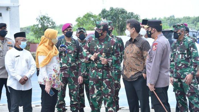 Panglima TNI Cek Isolasi Terpusat OTG Rusun Nagrak dan Kelurahan Rorotan di Cilincing
