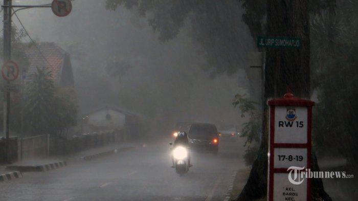 Peringatan Dini BMKG Senin, 8 Maret 2021: Waspada Cuaca Ekstrem di 30 Wilayah