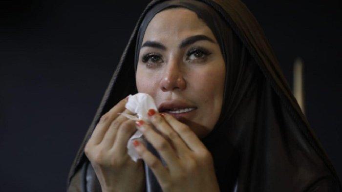 Cinta Penelope Menangis Dengar Kabar Vicky Prasetyo Ditahan di Rutan Salemba