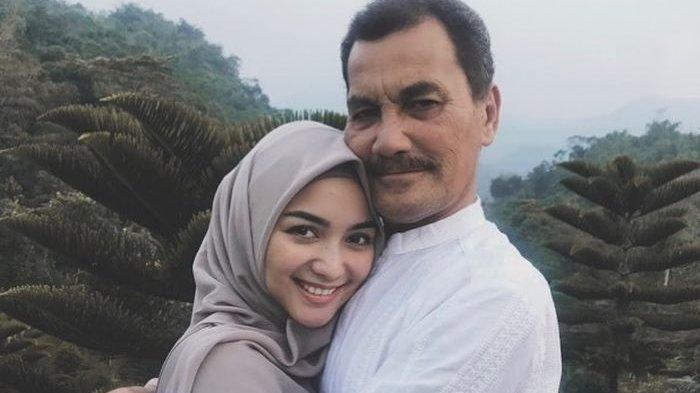 Potret Citra Kirana dan sang papa, Iwan Siregar.