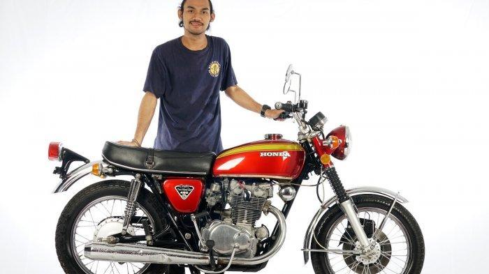 Linggah Prasetiawan tampil sebagai juara 1 kategori Classic Bike dengan motor nomor peserta 033 berbasis Honda CB 450 K5 tahun 1973 garapan Maxwax Garage.