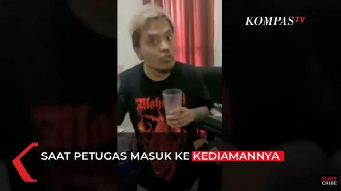 Coki Perdede diamankan polisi karena kasus penyalahgunaan narkoba, Rabu (1/9/2021).