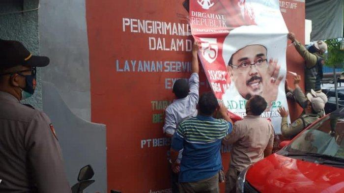 Baliho Rizieq Dicopot TNI, FPI Curiga atas Perintah Jokowi: Yang Bisa Memerintah Hanya Presiden