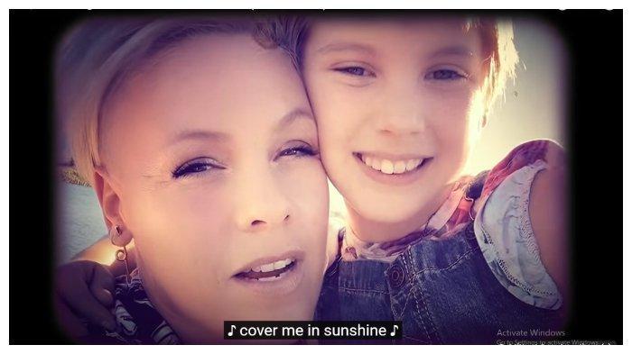 Chord dan Lirik Cover Me in Sunshine - P!NK & Willow Sage Hart