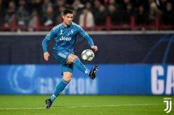Sindiran Modric untuk Ronaldo karena Tak Muncul di Ballon d'Or