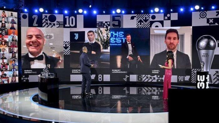 Ekspresi Kekecewaan Cristiano Ronaldo Saat Robert Lewandowski Terpilih Jadi Pemain Terbaik FIFA 2020