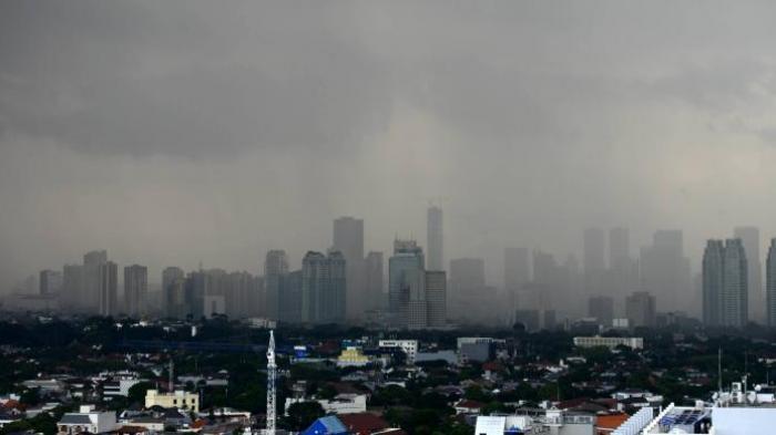 Hampir semua wilayah di Jabodetabek hari ini diprakirakan akan berawan, kecuali kawasan Kepulauan Seribu diprediksi akan diguyur hujan ringan.