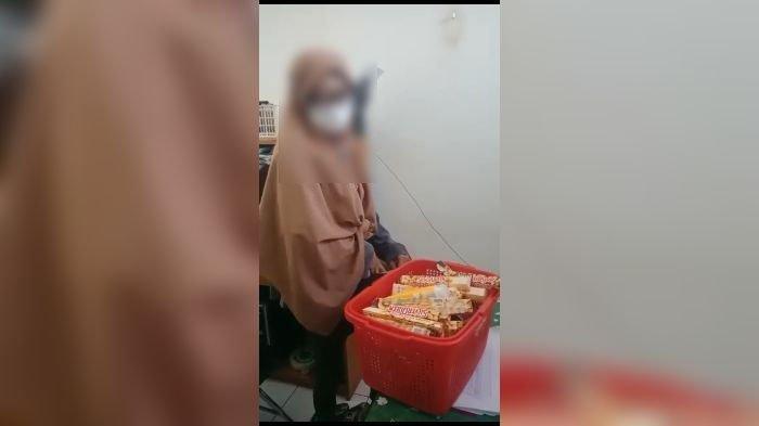Wanita di Purwakarta Curi Cokelat Bernilai Rp 1,2 Juta dalam Supermarket