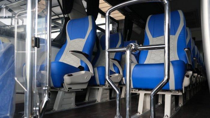 Bagian dalam bus Legacy SR2
