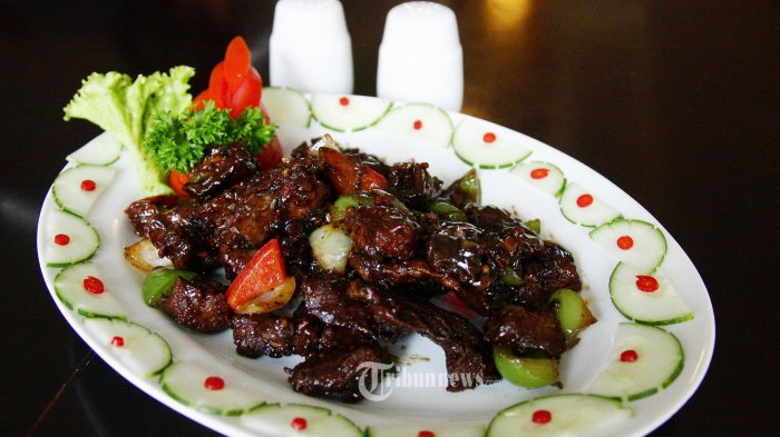KULINER- Beef Black Papper Sauce (Daging Sapi lada Hitam) sajian menu Hotel Noorman Semarang. (Tribun Jateng/Hermawan Handaka)