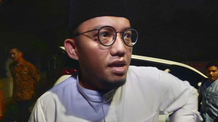 Dahnil Anzar Simanjuntak di Kediaman Prabowo Subianto di Kertanegara, Jakarta Selatan, Selasa (16/4/2019) malam.