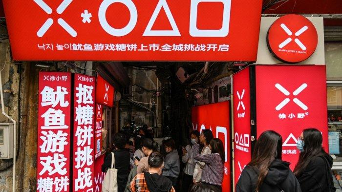 Netflix Diblokir di China, tapi Squid Game Tetap Populer, Toko Permen Gula Ramai Pengunjung