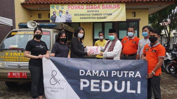 Damai Putra Group Peduli CSR Korban Banjir di Desa Srimukti  dan Desa Samudrajaya Kabupaten Bekasi