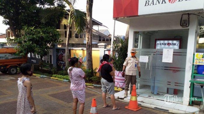 Pemprov DKI Cairkan Dana KJP Plus Tiap Bulan, Warga Penerima Diimbau Tak Berkerumun di ATM
