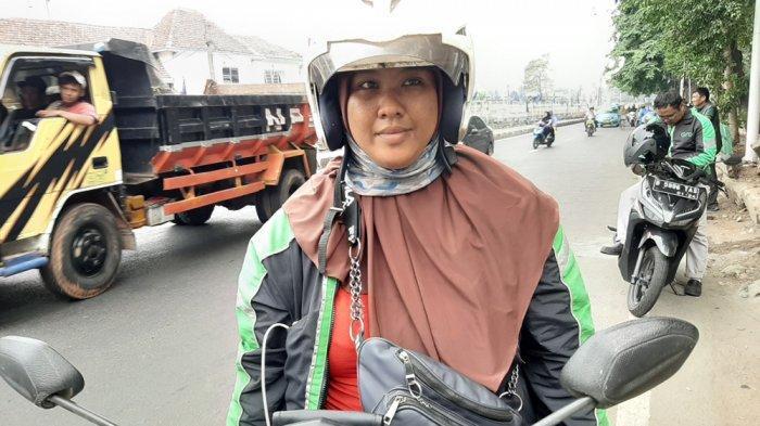 Perjuangan Ibu Menyusui Asal Bogor Jadi Driver Ojol, Bantu Suami Hidupi Keluarga