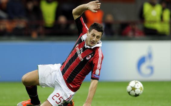 Perpanjang Kontrak, Daniele Bonera Pengecualian di Milan