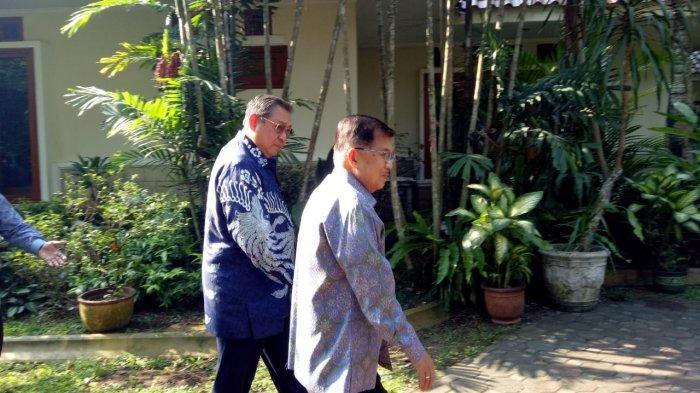 Sampaikan Langsung Duka Cita, JK Kunjungi SBY di Cikeas