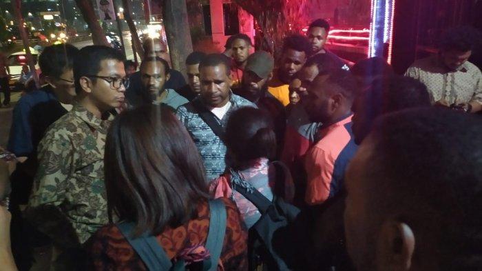 Didampingi LBH Jakarta, Sejumlah Mahasiswa asal Papua Sambangi Polda Metro Jaya