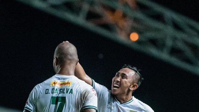 David Da Silva dan Rendi Irwan Merayakan Gol  (@officialpersebaya)