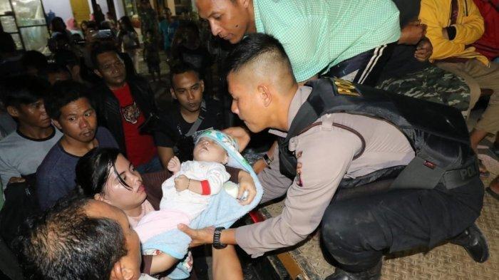 Insiden Penusukan Bapak dan Anak, 140 Warga Diungsikan dan Dikawal Ketat Aparat
