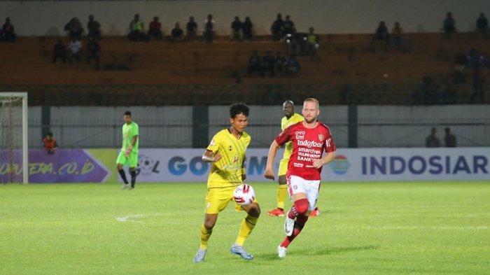 Debut Bagas Kaffa saat Barito Putera menghadapi Bali United di pekan 2 Liga 1 2020