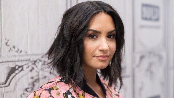 Pertunangan Kandas, Demi Lovato dan Max Ehrich Memilih Berpisah Karena Hal Ini, Masih Saling Support
