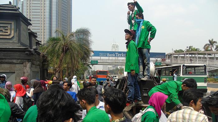 BEM Universitas Ibnu Chaldun Demo Dirjen Dikti