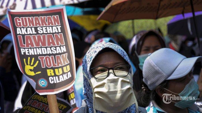 Uang Penghargaan dalam RUU Omnibus Law Menyusut, SBSI: Yang Sudah Ada Harusnya Ditingkatkan