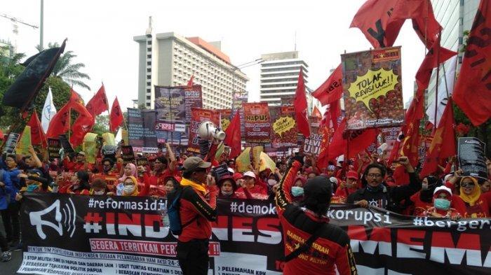 Diiringi Lagu-lagu Perjuangan, Massa Gerakan Indonesia Memanggil Mulai Long March