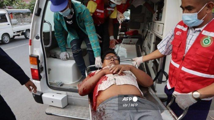 Massa JuntaMiliter Myanmar Mengamuk, Serang Demonstran Anti-Kudeta di Yangon