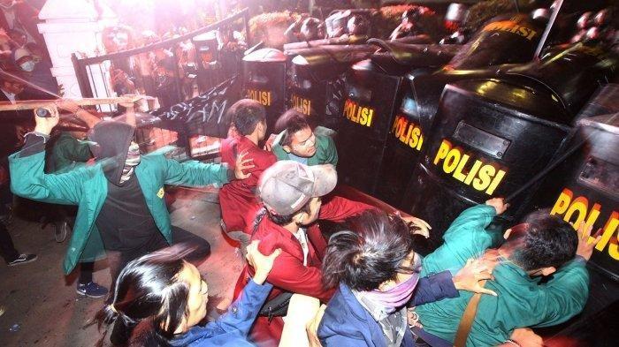 Kelompok Anarko Dituding Jadi Provokator Kericuhan Saat Unjuk Rasa Mahasiswa di Bandung