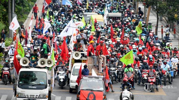 Antisipasi Aksi Unjuk Rasa Lanjutan UU Cipta Kerja, Brimob Polda Maluku Gelar Apel Siaga