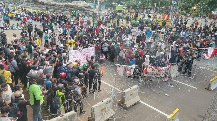 Demo UU Cipta Kerja di Patung Kuda, Jakarta Pusat, Rabu (28/10/2020).